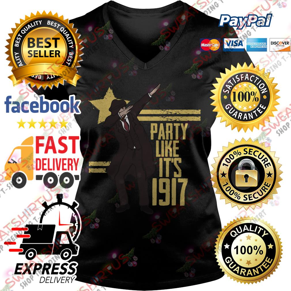 Party like it's 1917 V-neck T-shirt