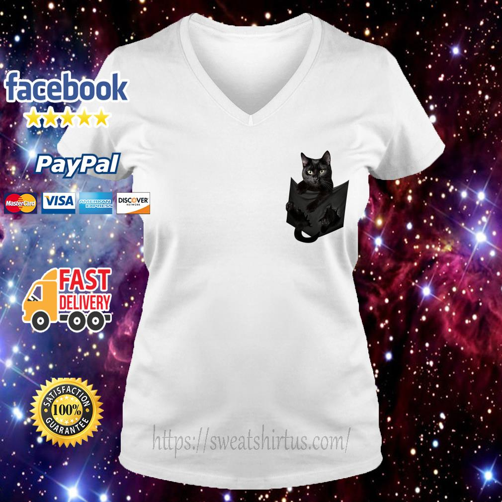 Black cat in the pocket V-neck T-shirt
