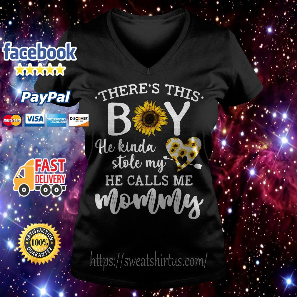 Sunflower there's this boy he kinda stole my heart he calls me mommy V-neck T-shirt