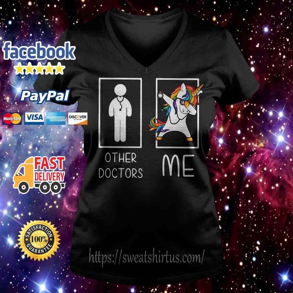Unicorn dabbing other doctors me V-neck T-shirt