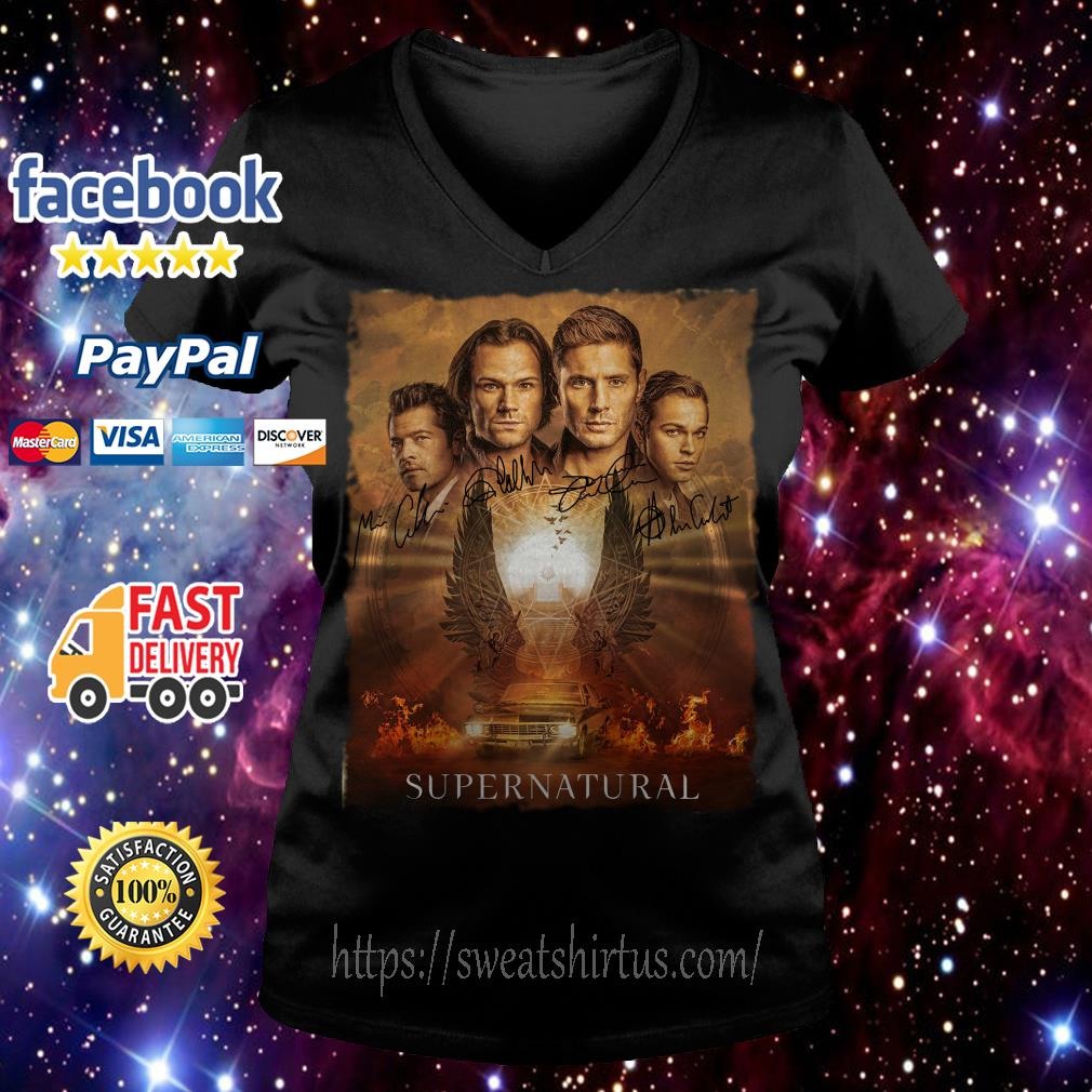 Supernatural The Winchesters final season characters signatures V-neck T-shirt