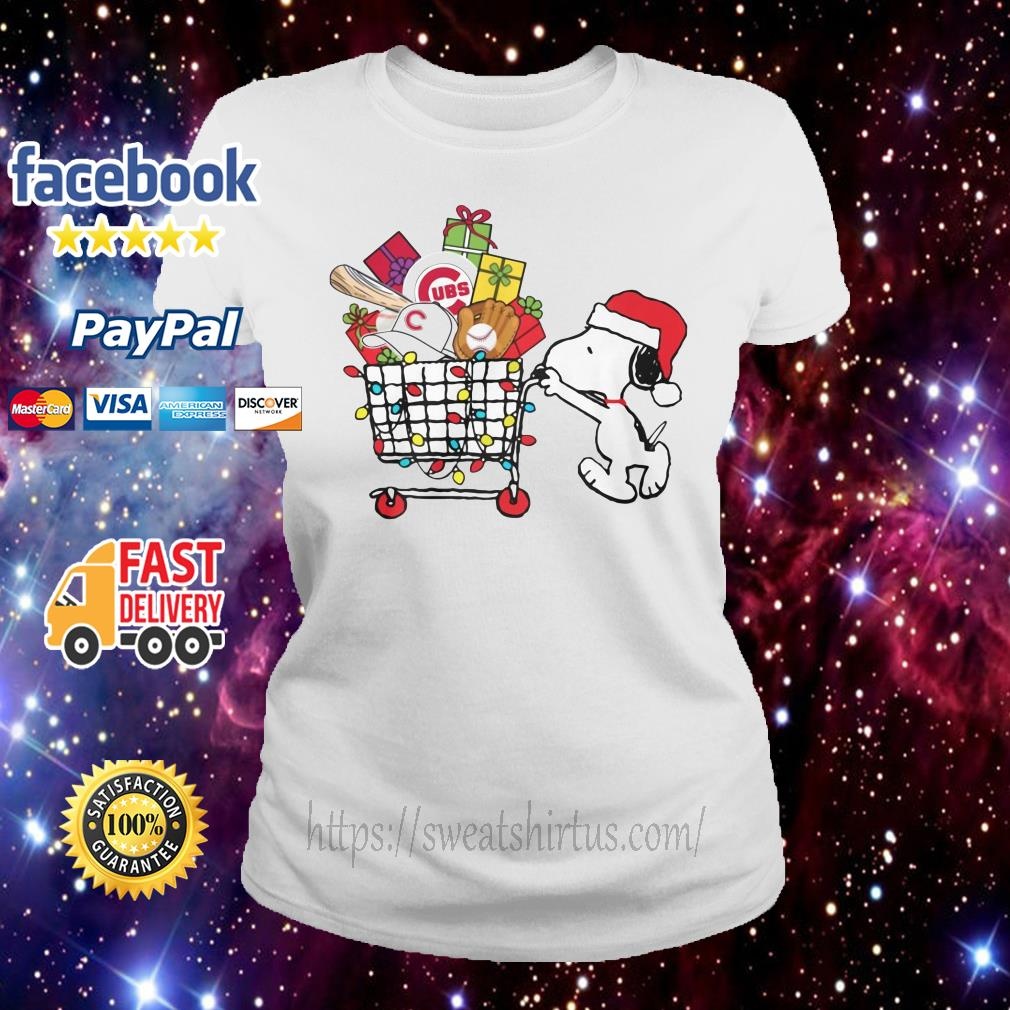 Chicago Cubs Snoopy Pushing cart full of Christmas gifts Chicago Cubs Snoopy Pushing cart full of Christmas gifts Ladies Tee