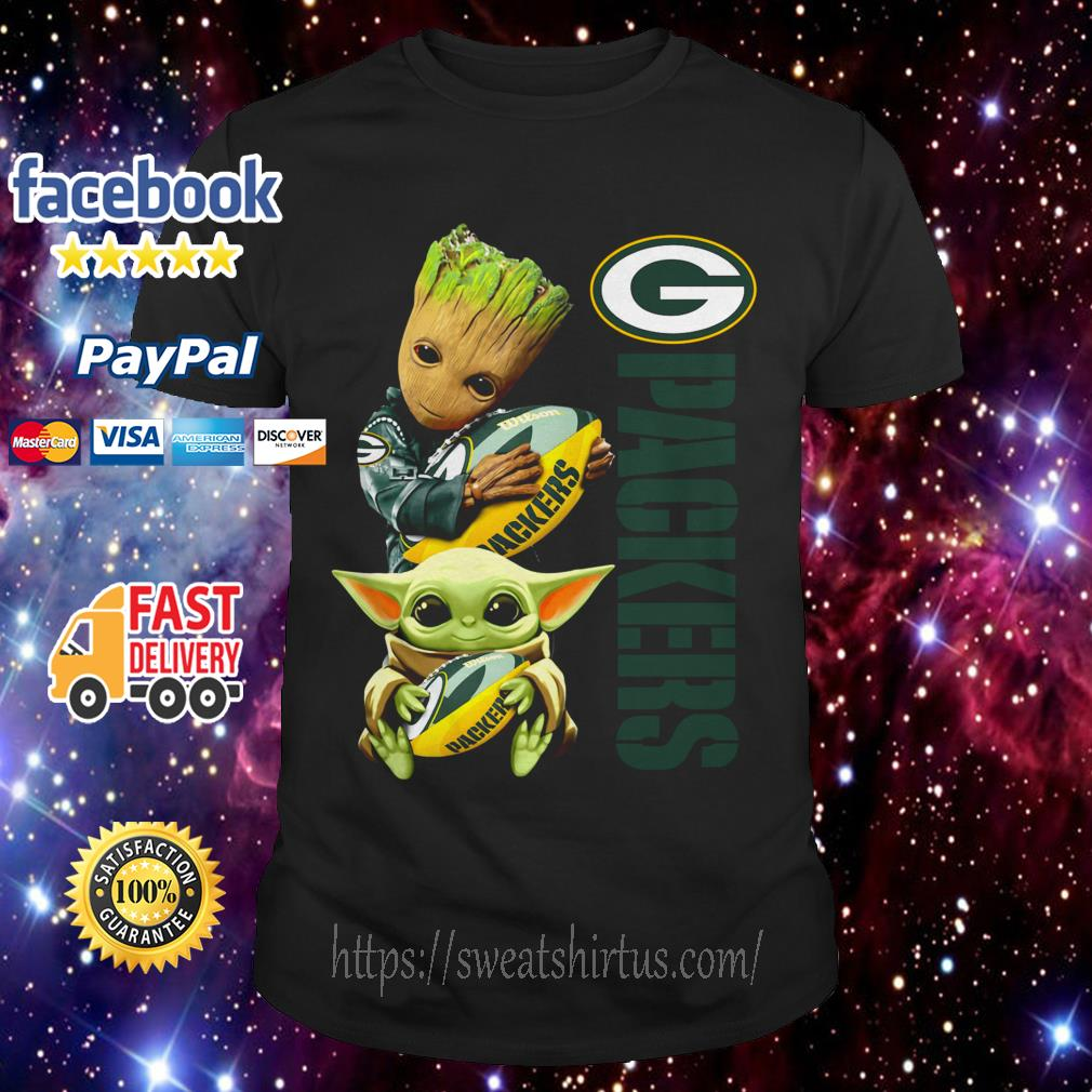 Baby Groot and baby Yoda hug Green Bay Packers shirt